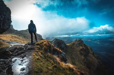 ▷ Los Mejores Calcetines Calefactables para ir a la Montaña