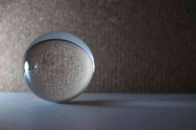 Buscando efectos de luz con una bola de cristal - Antonio García Prats