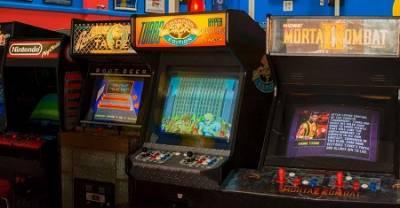 Viaje De Nostalgia En El Tiempo Abordo De Un Pack... Recopilatorios De Juegos Retro Imprescindibles