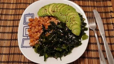 Receta: Ensalada poke de salmón y aguacate