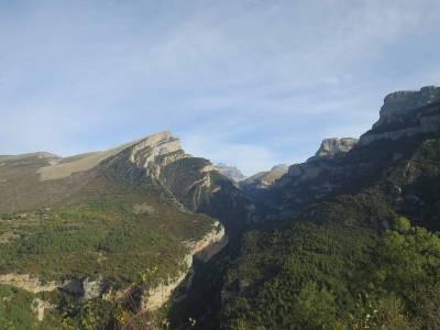 Qué hacer en el Cañón de Añisclo: Rutas de senderismo al pico Mondoto, ermita de San Úrbez y Pardina del Señor