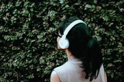 Increíbles beneficios de los audiolibros que todo amante de los libros debe saber