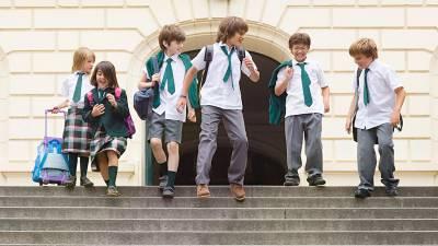 ¿Qué es mejor ir con uniforme escolar o con ropa de calle al 'cole'? - QHN