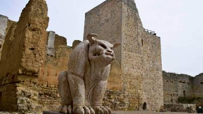 Un castillo (de verdad) habitado por elfos, dragones y hadas - QHN