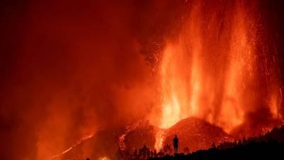 Canarias bajo el volcán