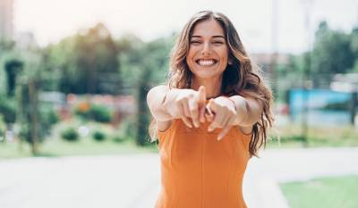 8 beneficios de blanquear los dientes