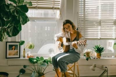 Beneficios de tocar la guitarra